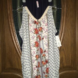 Xhilaration floral tank top (very cute and loose)